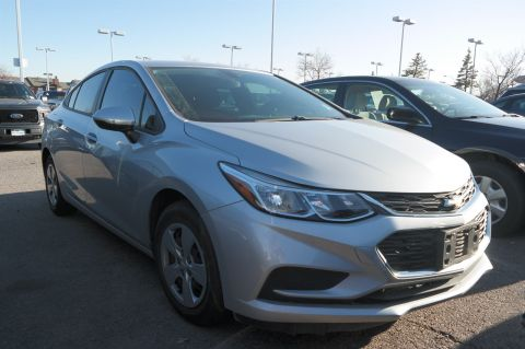 Pre-Owned 2017 Chevrolet Cruze LS