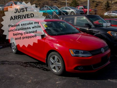 Pre-Owned 2014 Volkswagen Jetta Sedan Tdihig
