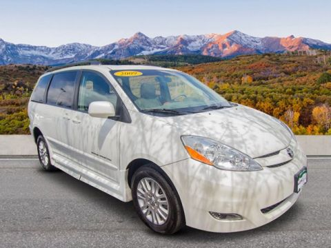 Pre-Owned 2009 Toyota Sienna