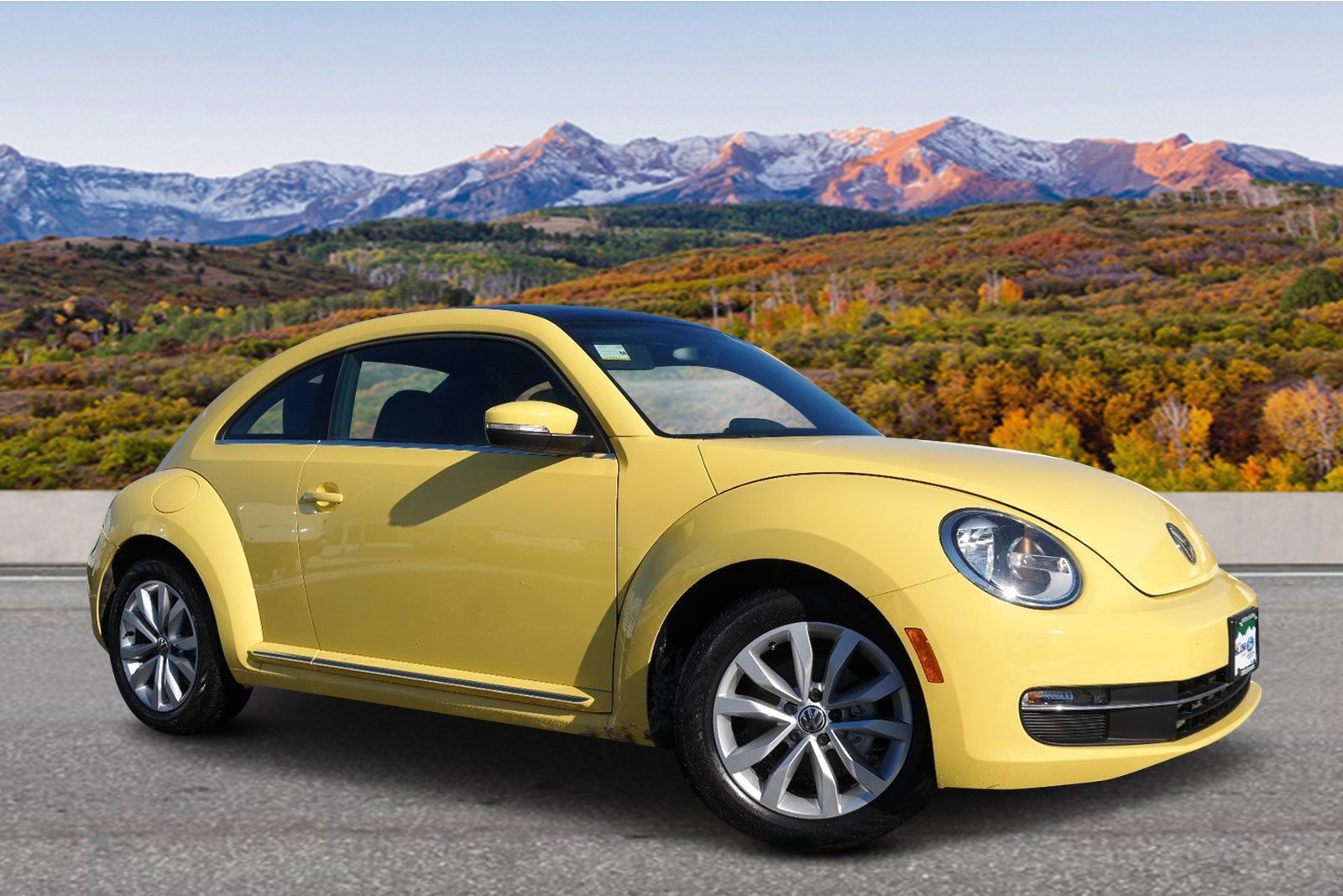 Pre-Owned 2013 Volkswagen Beetle Coupe 2.0L TDI w/Sun